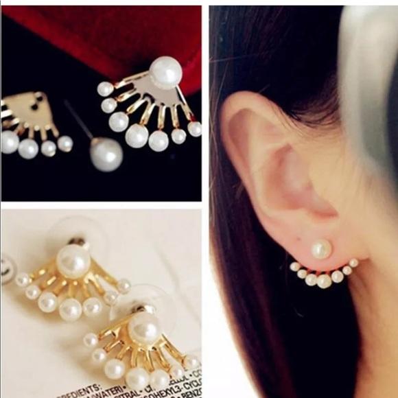 Jewelry - Pearl Ear Crawlers